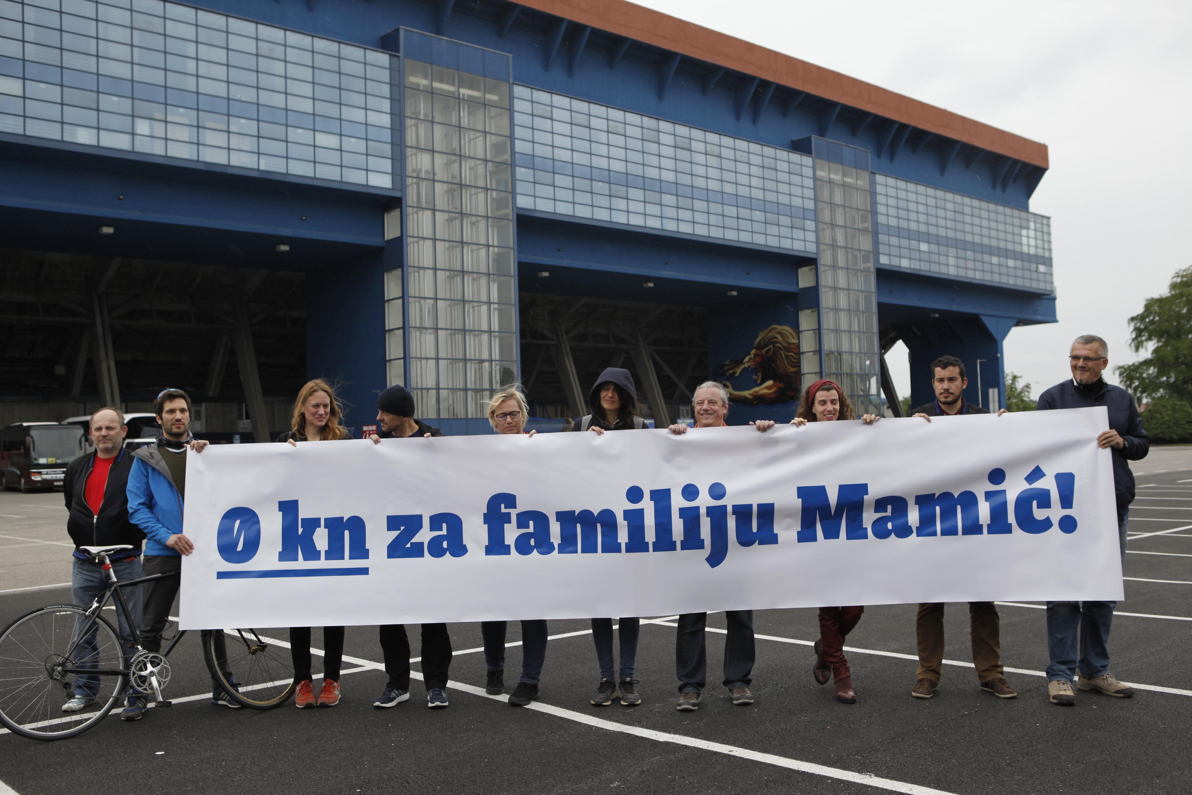 Nula kuna za familiju Mamić: akcija ispred Dinamovog stadiona koalicije Zagreb je NAŠ! – Nova ljevica – ORaH – Radnička fronta – ZA GRAD